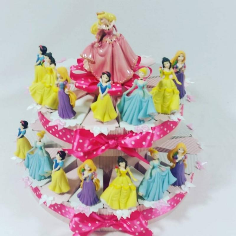 Torta bomboniera principesse disney nascita compleanno