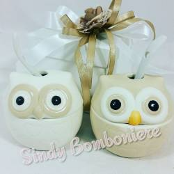 Zuccheriera bomboniere utili in ceramica bianca e panna a forma di gufetto con cucchiaino