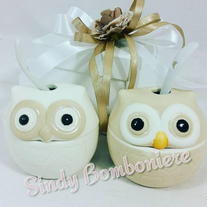 Eccezionale Zuccheriera bomboniere utili in ceramica bianca e panna a forma di  OV23