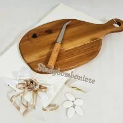 Idea bomboniera utile solidale matrimonio D5534 tagliere in legno 20X38 e coltello