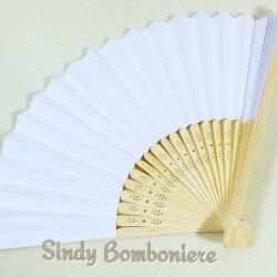 Ventaglio per matrimonio di colore bianco con manico in legno