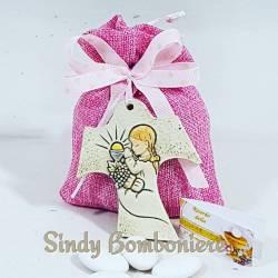 Sacchetto rosa con confetti e pendente tao con immagine prima comunione