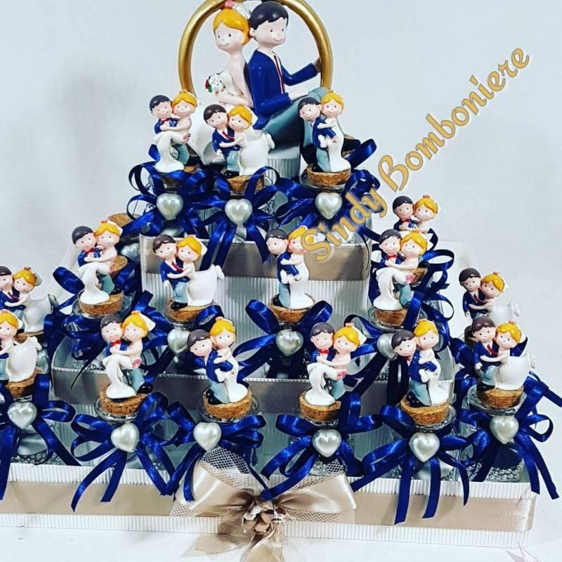 Matrimonio Bomboniere : Torta bomboniere sposini vasetti porta confetti matrimonio
