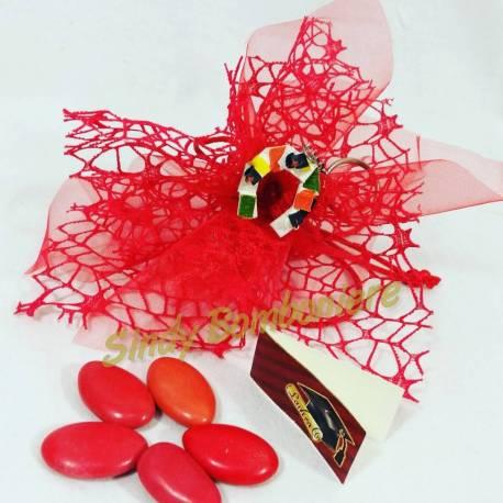 Bomboniera laurea portachiavi con veletto, decorazione e confetti