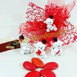 Bomboniera laurea con orsetto in 4 varianti diverse, veletto rosso e confetti