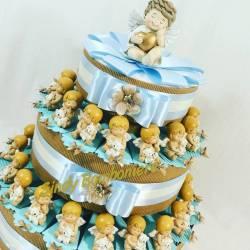 Bomboniere angioletto su nuvola con orsetto su torta portaconfetti per battesimo