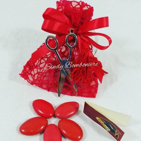 Sacchetto portaconfetti per laurea in rete rossa con forbice portachiavi