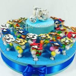 Idea bomboniera torta coni plexiglass 18esimo compleanno 18 anni vespa magnete