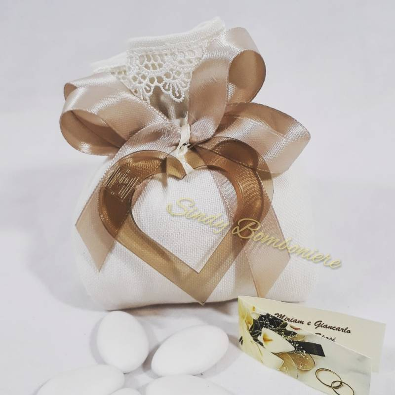 Sacchetto portaconfetti con cuore in plexiglas tortora LINEA TABATA