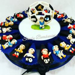 Battesimo nascita comunione bomboniera portaconfetti torta con ragazzo magnete calciatore calcio sport Inter