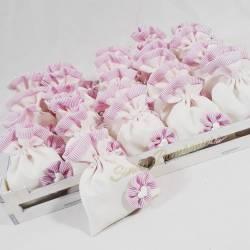 Bomboniere battesimo nascita comunione Vassoio con 25 sacchettini bianchi e rosa per bambina con fiocco e gessetto cuore