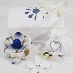 Portacandele fiore con nastro completamente in porcellana bianca e blu LA DOCA LINEA TRESY