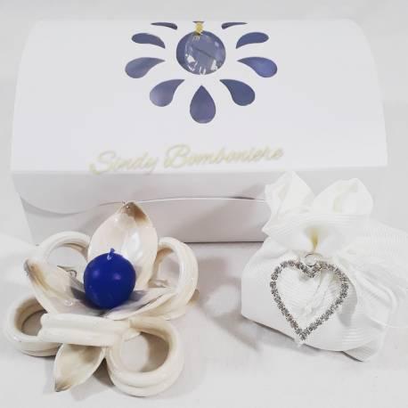 Portacandele fiore con nastro completamente in ceramica bianca e blu LA DOCA LINEA TRESY