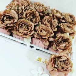 Idea cesto bomboniera torta comunione cresima sacchettini shabby a forma di rosa colore rosa antico