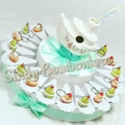 Torta bomboniera battesimo nascita comunione barchetta portachiavi assortita colorate con centrale barca porcellana profumatore