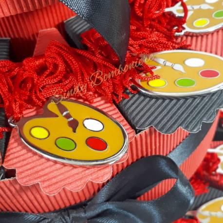 TORTA BOMBONIERE LAUREA tavolozza con nappa rossa FACOLTA  ARTISTICHE f1cb10eb86e6