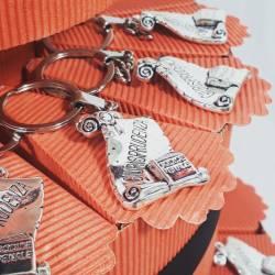 TORTA BOMBONIERA per laurea porta confetti pergamena portachiavi Giurisprudenza spedizione inclusa