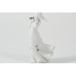 Bomboniera Cuorematto Statuina di una dama in bisquit curata in ogni dettaglio con inserti in metallo argentato