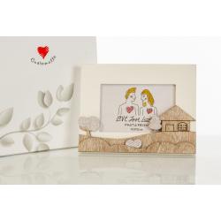 Bomboniera Cuorematto quadretto porta foto in legno con decori di paesaggio applicati in rilievo su la cornice.
