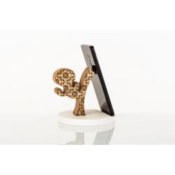 Bomboniera Cuorematto bomboniere utili portatelefono in legno a forma di omino che fa mossa di kung'fu