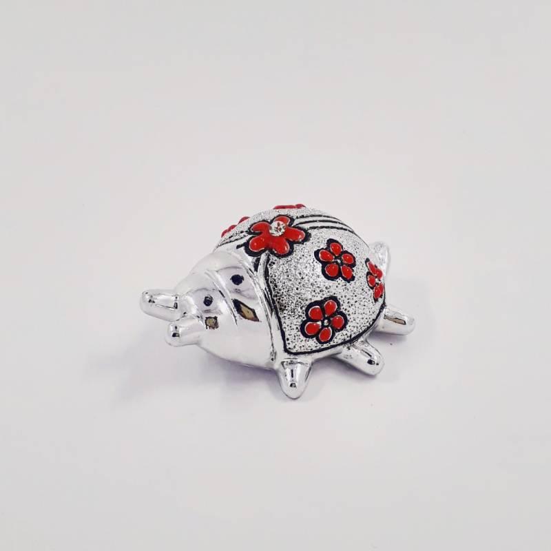 Coccinella portafortuna fai da te argentata con fiori rossi - Portafortuna fai da te ...