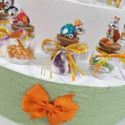 Bomboniere Battesimo utili vasetti portaspezie su torta bomboniera