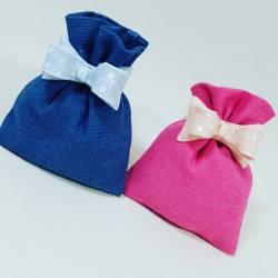 Confettata Battesimo con sacchetto celeste o rosa e fiocco in ceramica a magnete