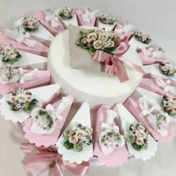 Torta bomboniera fiori capodimonte in offerta spedizione inclusa