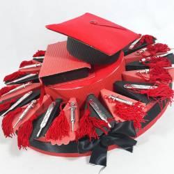 TORTA BOMBONIERA laurea siringhe e termometro con nappa rossa