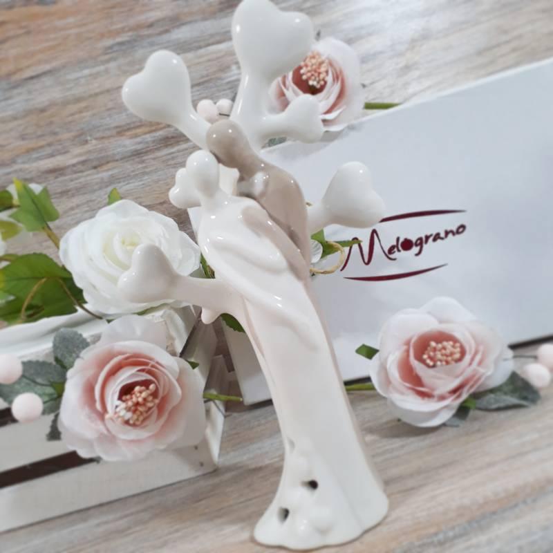 Bomboniere Matrimonio Idee.Statua Con Sposi In Porcellana Idee Bomboniere Nozze 2020