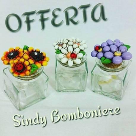 Bomboniere barattolo portaspezie in vetro con fiore magnete