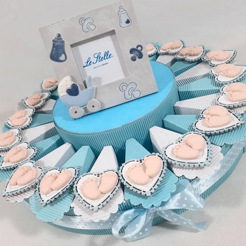 Torta bomboniera Battesimo piedini magneti a cuore per maschio