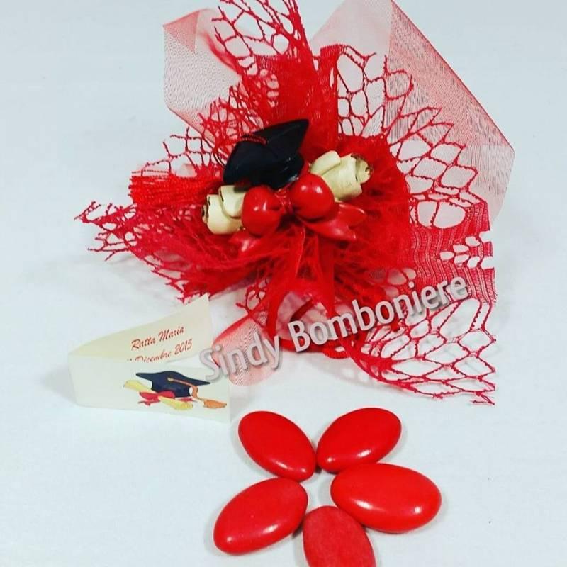 Estremamente BOMBONIERE per LAUREA economiche tocco pergamena confetti rossi  AY78